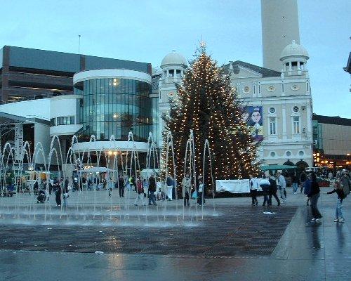 Williamson Square fountain in December 2004