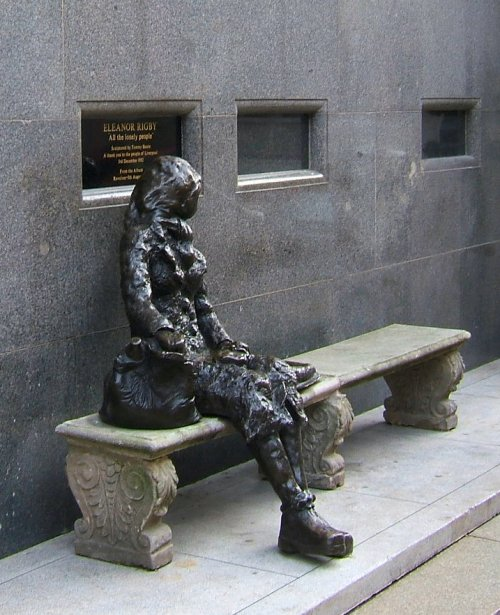 Eleanor Rigby statue - Stanley Streert 11th November 2006