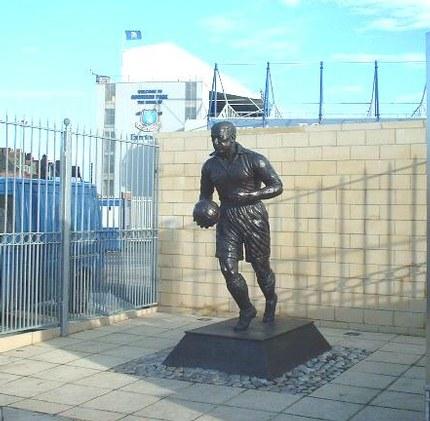 Dixie Dean statue