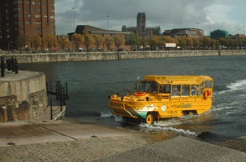The Liverpool Duck leaving the Salthouse Dock