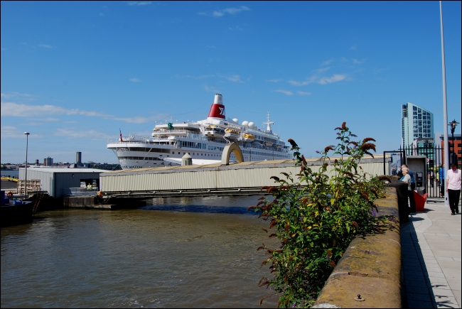 Ms Black Watch on the Mersey